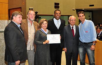 Prof. Dra. Maria Auxiliadora Vilela Paiva também é homenageada na Sessão Solene.